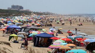Una playa abarrotada