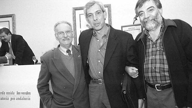 Un acto de Izquierda Unida con Leopoldo Martín (derecha) junto a Jesús Gargallo y José Mena.