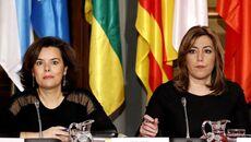 La vicepresidenta del Gobierno, Soraya Sáenz de Santamaría, y la presidenta de la Junta, Susana Díaz.