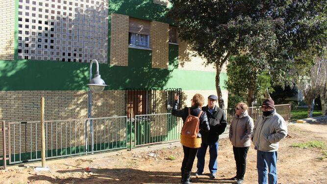 Vecinos de Ciudad Jardín muestran la cercanía del nuevo parque a sus viviendas.