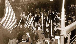 Imagen de la célebre gran huelga de General Motors en Flint el año 1936. Entonces ganaron los trabajadores.