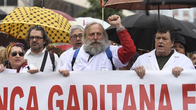 Cádiz se echa a la calle en defensa de la sanidad pública