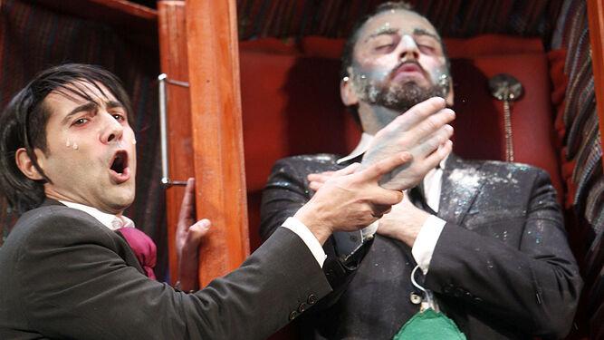 El Bizcocho con Manuel durante la actuación de 'No te vayas todavía.