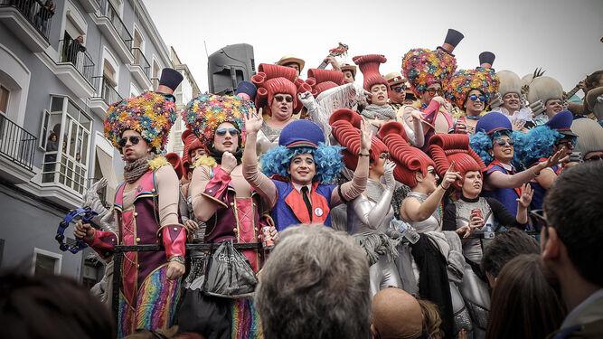 El coro 'La reina de la noche', en la zona del Mercado.