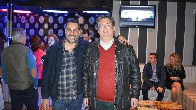 Diego Joly acudió  con  Fonsi Domecq.