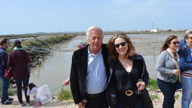 Julio Malo de Molina con la diseñadora Tere Torres.
