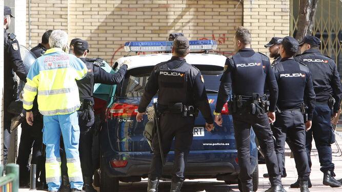 Detenido un hombre por un presunto delito de acoso sexual - Policia nacional cadiz ...