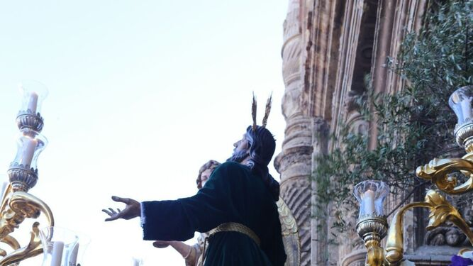 Detalle de la canastilla con la imagen del señor del Huerto.