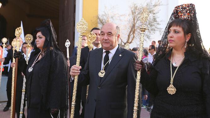 El presidente del Consejo y los hermanos mayores representaron en la procesión del Santo Entierro.