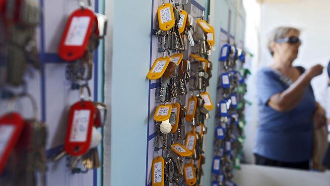 Acto de entrega de llaves en la primera fase de Matadero.