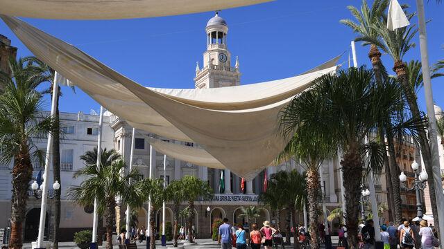 El ayuntamiento comprar nuevos toldos para san juan de dios for Toldos juan de dios