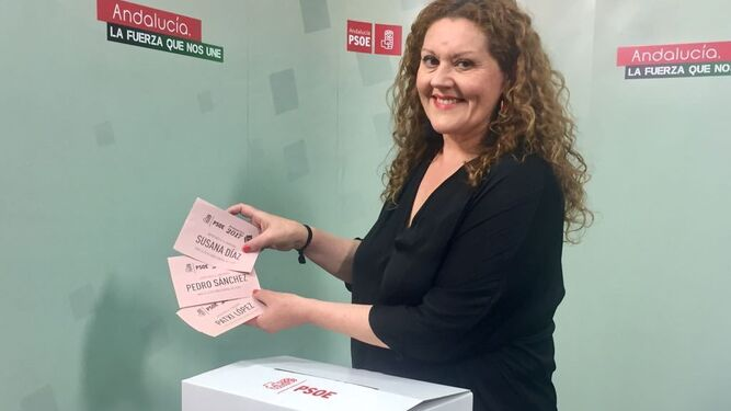 Las papeletas con los nombres de los tres candidatos a dirigir el PSOE.