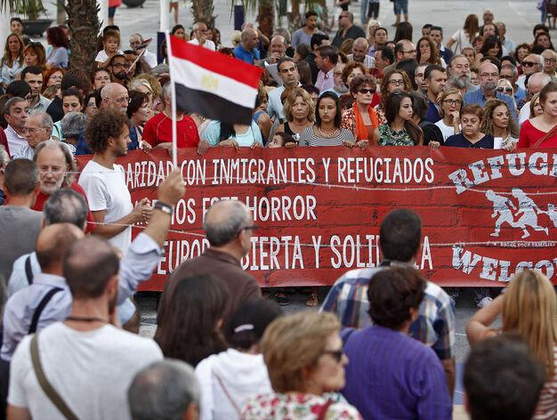 Resultado de imagen de Exigimos que lleguen los refugiados que España