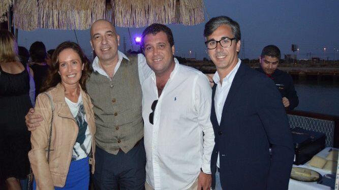Xenia Casanova Accame, Luis Livingston, de Dr. Livingston, Nino Copano y Fernando Quiros.