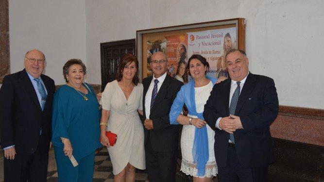 Fernando Otero, María Victoria Gallardo, Fabiola Lacave, Antonio Bresca, Ana Sicre y Perico Lacave.