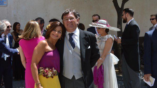 Mariló Sancho con su marido Agustín Lacave, durante la ceremonia.