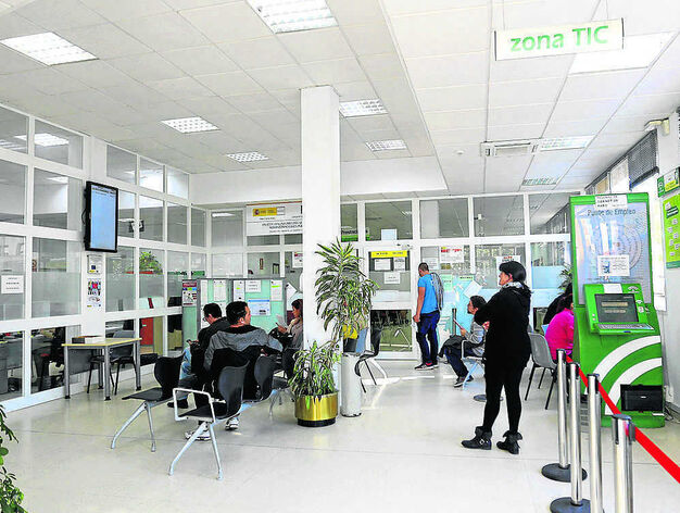 Chiclana reduce las cifras del desempleo en un 25 3 en for Oficina de empleo cadiz