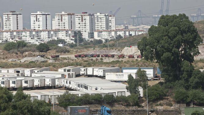 Los terrenos junto al polígono Cortijo Real donde será implantado el recinto especial fiscal y aduanero.