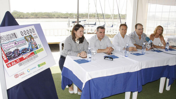 La presentación tanto de la programación como del cupón de la Virgen del Carmen tuvo lugar en el Real Club Náutico.