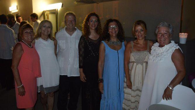 Pochi Arroyo, María Ángeles Franco, Juan José Téllez, María Ángeles Carrrasco, Carmen Romero, Margarita Marqués y Julia Román.
