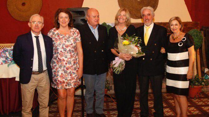 Félix Gallo, María del Carmen Pineda, Javier Sánchez de Cos, Mercedes Lastra, Rafael  Berbel y Ana Godino, durante el homenaje.