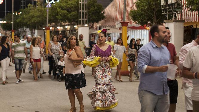 El real de La Magdalena, en una de sus veladas de Feria.