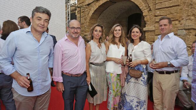 Juan Carlos Herrera, José Luis Lechuga, Rocío Álvarez, Esther Durán, Carmen Moreno y Jaime Osborne.