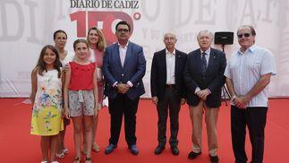 Lucía Osorio, Encarna Ortega, Sofía Otero, Silvia Gómez, Jesús Otero, Javier Cabeza de Vaca, José Blas Fernández y José Vázquez.