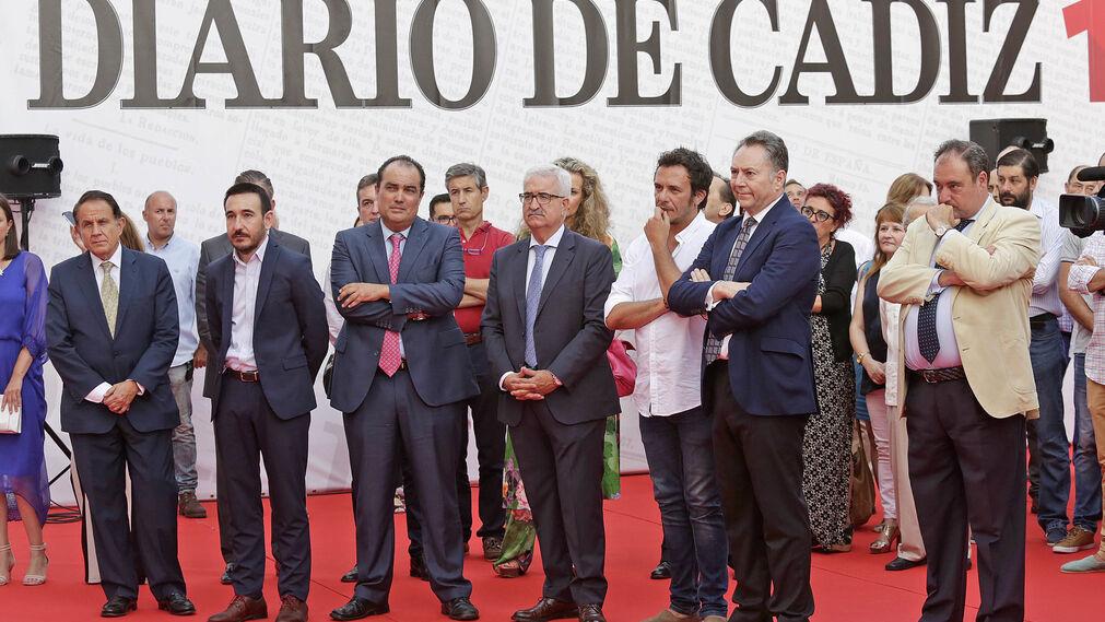 Antonio Pascual, Fernando López Gil, David Fernández, Manuel Jiménez Barrios, José María González, José Joly y Tomás Valiente, durante la presentación.