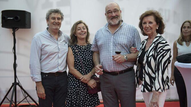 José Vázquez, Josefa Díaz, José Blas Fernández, Carlos Medina, José María González, Elena Medina, Jiménez Barrios, José Joaquín León y Rafael Navas.