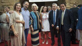 Lourdes Acosta, Fernando Santiago, Teófila Martínez, Fátima Rodríguez, José Joaquín León y Antonio Pascual.