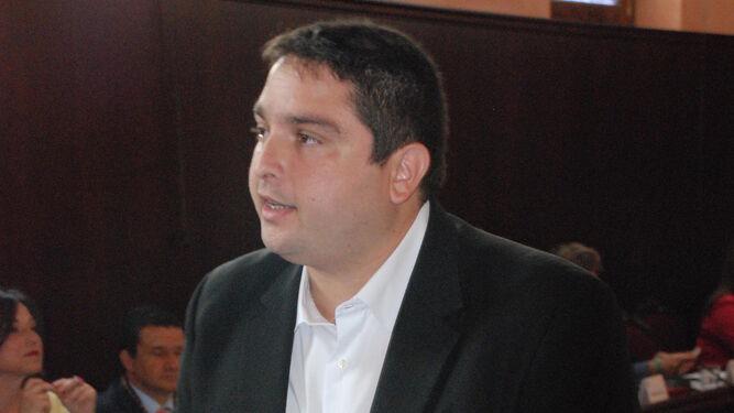 José Alfaro, concejal de izquierda Unida, jura su cargo de concejal.