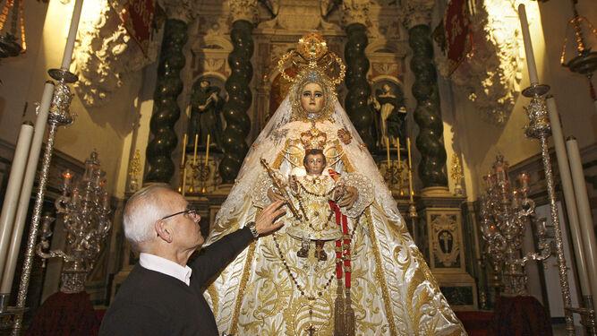 La Virgen del Rosario, en torno a la que gira este besamano extraordinario, será una de las imágenes expuestas.