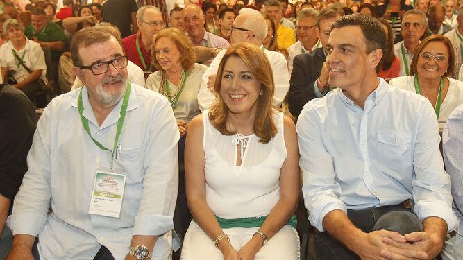 Susana Díaz y Pedro Sánchez, el pasado fin de semana en Sevilla, junto a José Rodríguez de la Borbolla.