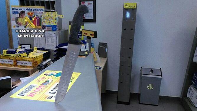 La guardia civil detiene al presunto autor del atraco a for Oficina correos cadiz