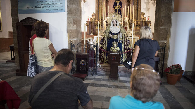 La Virgen de la Trinidad, de Medinaceli, ya estaba ayer expuesta en Santa Cruz.