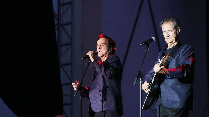 El Dúo Dinámico ofreció un concierto mítico a su público.