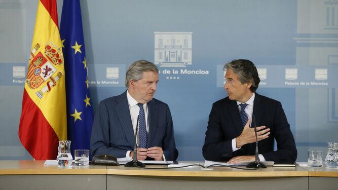 Méndez de Vigo y De la Serna, en la comparecencia posterior al Consejo de Ministros.