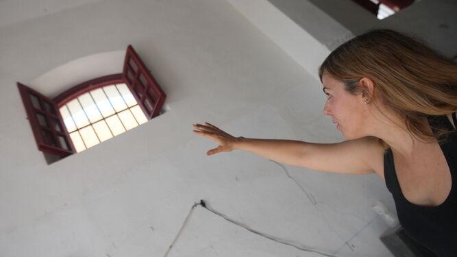 Una de las responsables de las obras explica las actuaciones.