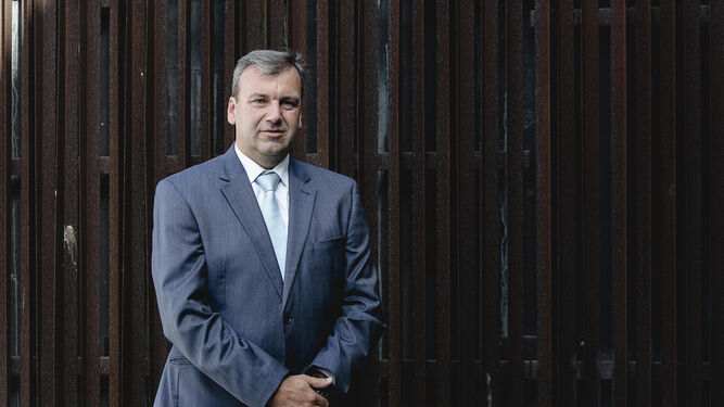 El accionista del Cádiz Rafael Fernández Bernal, ayer en la capital gaditana.