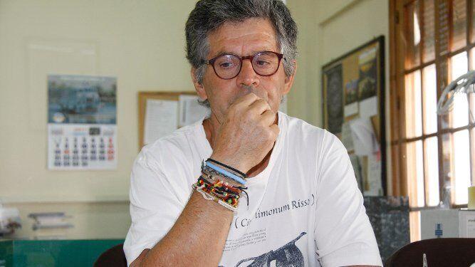 Juan Clavero, ayer en la Delegación de Diario de Cádiz en El Puerto, durante la entrevista. / ANDRÉS MORA