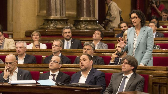 Parte del hemiciclo durante el pleno del 'Parlament'.