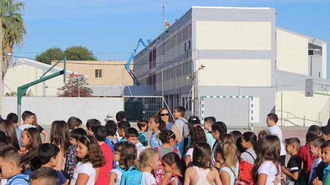 Primer día de curso en el colegio Reggio, aún en obras.
