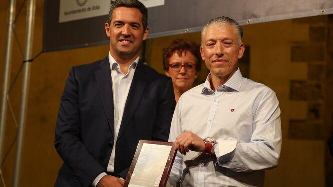 El padrino de la feria, con el alcalde en la inauguración de esta edición.