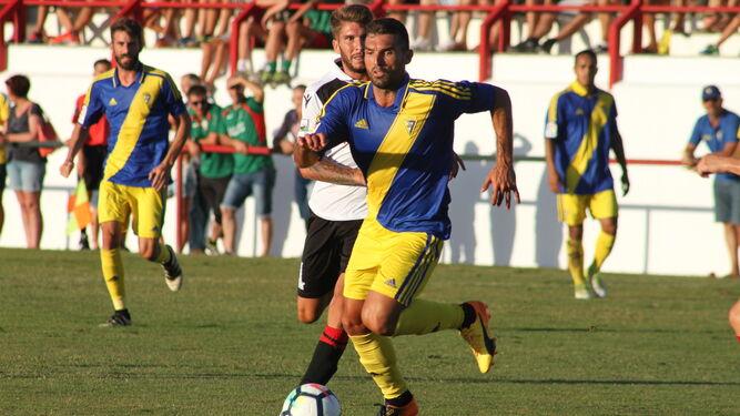 David Barral (i) y Toché están llamados a desempeñar un papel relevante en el partido.