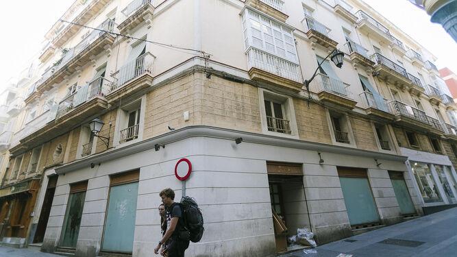 Local de la calle Novena por el que piden millón y medio de euros.