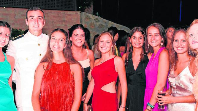 María Fontán, Carlos y María Núñez, Paloma Fontán, Inés Benítez de la Calle, María Soler, María del Cuvillo, Ana Soler y Michelle Michelen.
