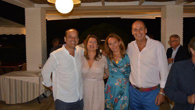 Luis Miranda, Macarena Castro, Cristina Tornos y Manolo Alonso, durante la celebración.
