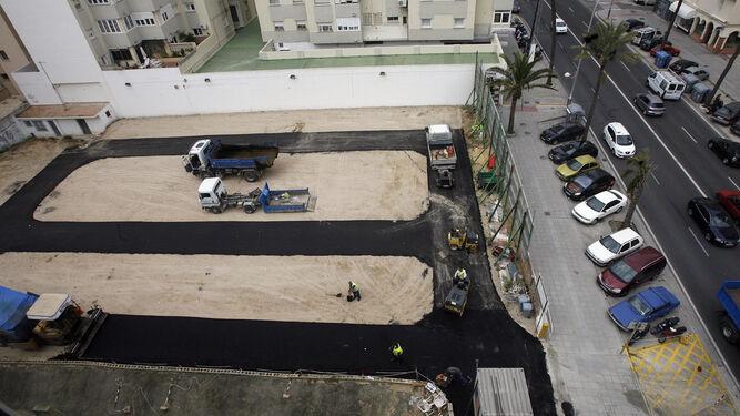 Solar del chalé de San Luis cuando se realizaron obras de mejora para su uso como aparcamiento.