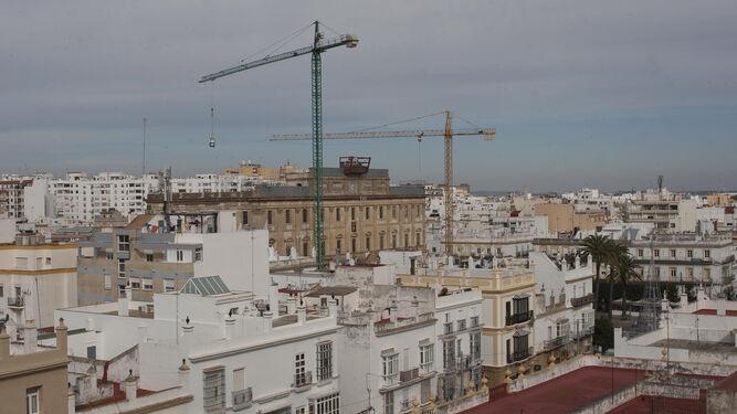 Vista aérea del casco histórico tomada desde una azotea del centro de San Fernando.